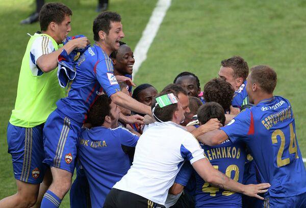 Футболисты ЦСКА радуются победе в финальном матче Кубка России по футболу