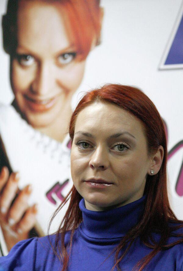 Марина Анисина представила свою первую книгу «Точки над i» в Москве