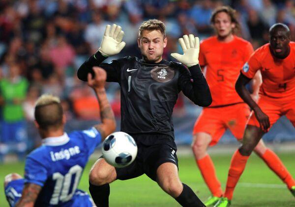 Игровой момент матча Италия - Нидерланды