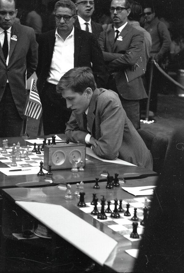 Американский гроссмейстер Роберт Фишер