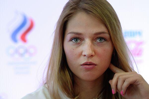 Сноубордистка Алена Заварзина на пресс-конференции