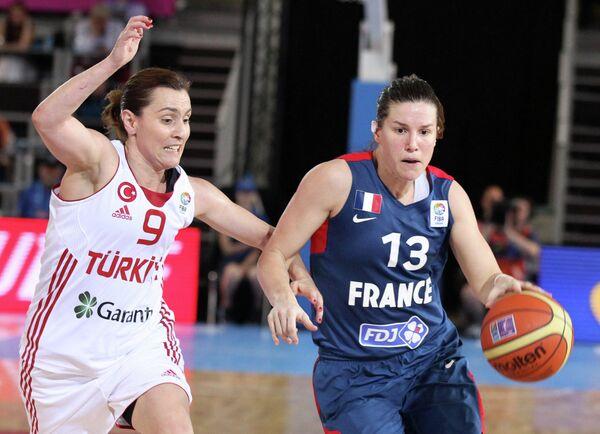 Игровой момент матча Франция - Турция