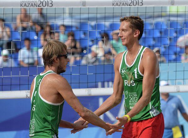 Игроки сборной России Ярослав Кошкарев (слева) и Константин Семенов