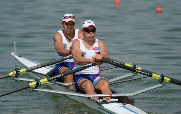 Российские спортсмены Александр Чаукин (слева), Юрий Пшеничников