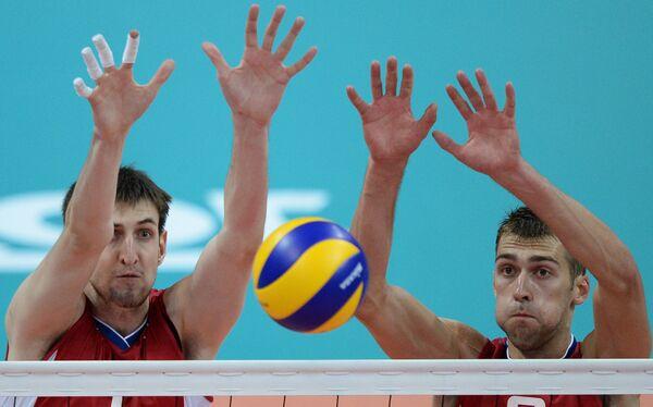 Игроки сборной России Артем Вольвич и Денис Бирюков