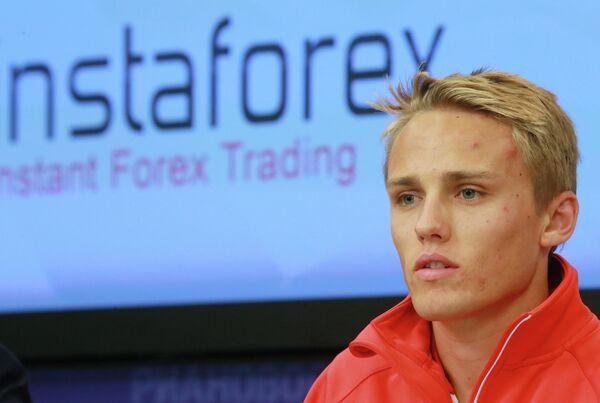 Пилот Marussia F1 Team Макс Чилтон на пресс-конференции на тему