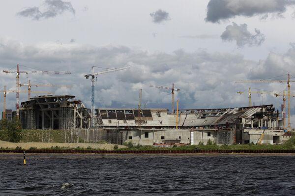 Строящийся стадион Зенит-Арена на Крестовском острове в Санкт-Петербурге