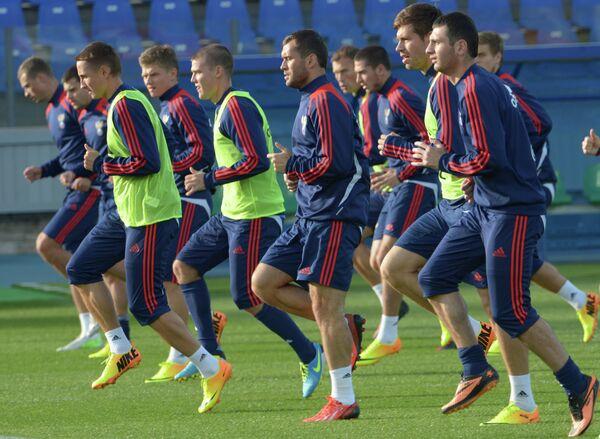 Футболисты сборной России на тренировке перед матчем со сборной Израиля
