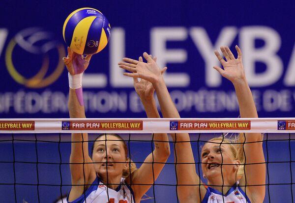 Волейболистки сборной Сербии Майя Огненович (слева) и Наташа Кршманович