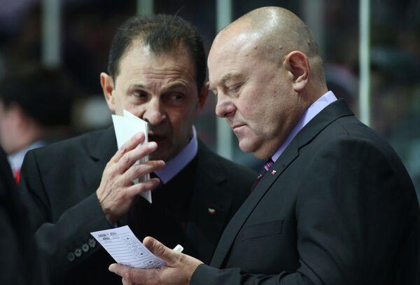 Федор Канарейкин (справа)