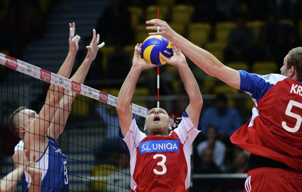 Алексей Спиридонов, игроки сборной Чехии Ондрей Боула, Иржи Краль (слева направо)