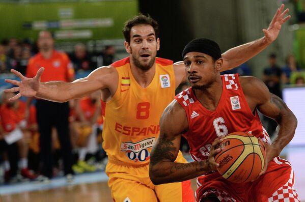 Игровой момент матч за третье место между сборными командами Испании и Хорватии.