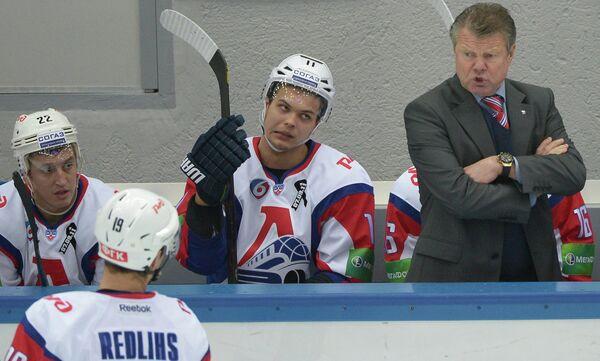 Петр Воробев (справа)