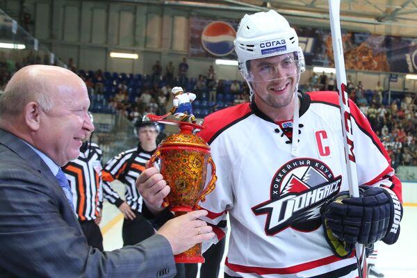 Олег Пиганович (справа)