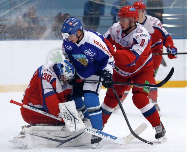 Игровой момент матча молодежных сборных России и Финляндии