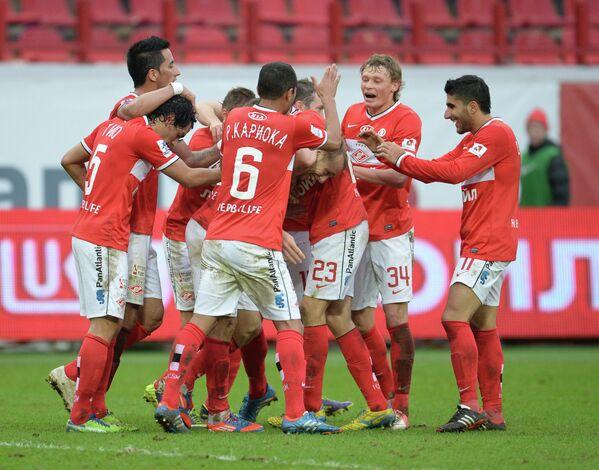Футболисты Спартака радуются победе над Зенитом