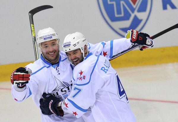 Илья Ковальчук и Александр Радулов (слева направо)