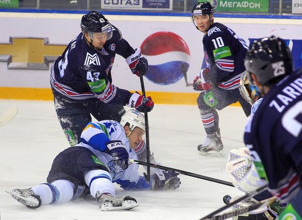 Игровой момент матча Металлург (Магнитогорск) - Барыс (Астана)