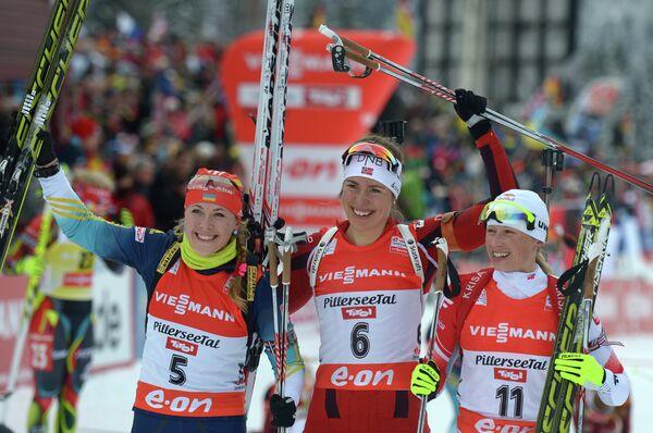 Слева направо: Юлия Джима (2 место), Сюнневе Сулемдал (1 место) и Кристина Палка (третье место)