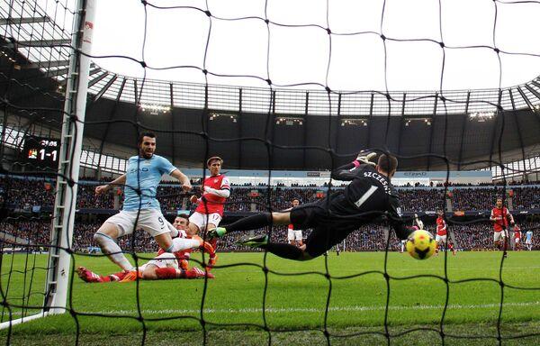 Игровой момент матча Манчестер Сити - Арсенал