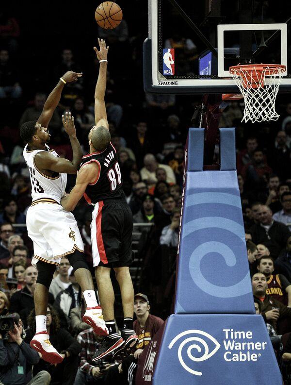 Баскетбольное кольцо НБА.