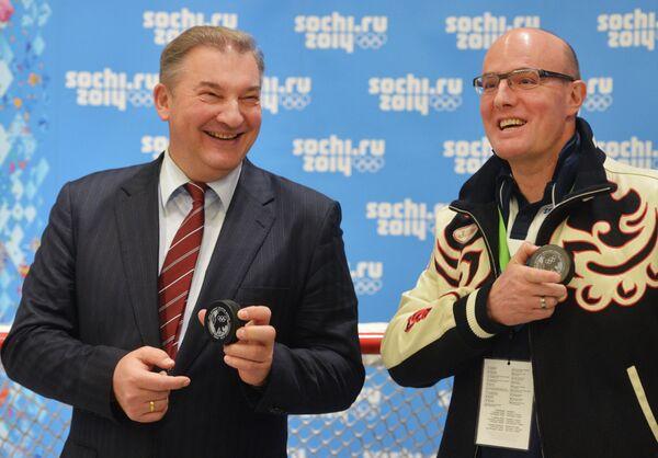 Владислав Третьяк и президент Оргкомитета Сочи-2014 Дмитрий Чернышенко