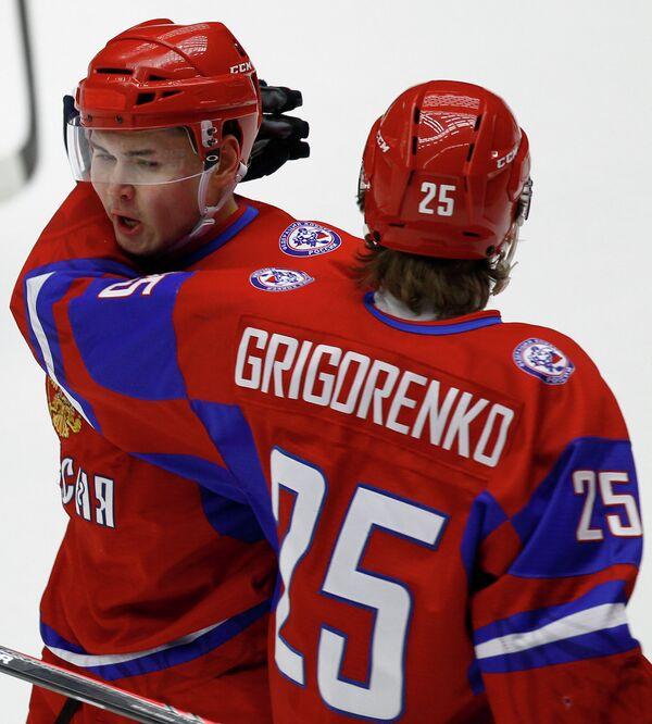 Игроки сборной России Эдуард Гиматов (слева) и Михаил Григоренко