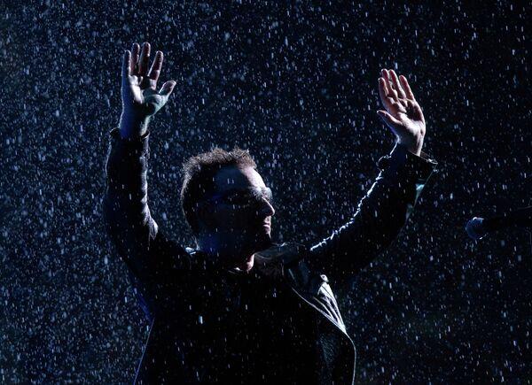 Солист ирландской группы U2 Боно