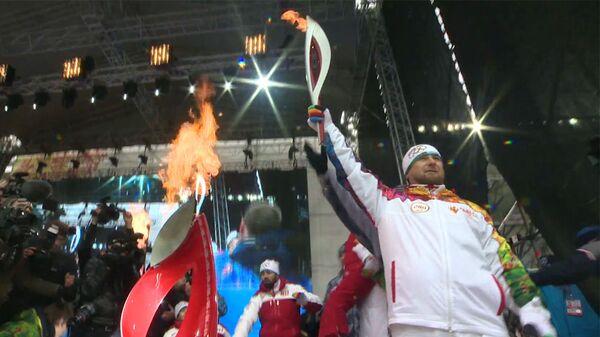 Рамзан Кадыров зажег чашу олимпийского огня в Грозном