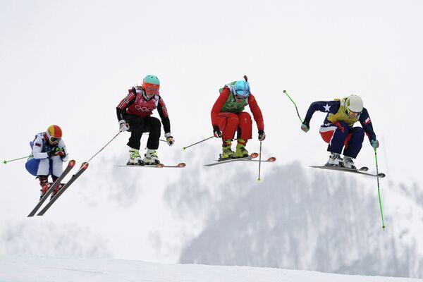 Анастасия Чирцова (Россия), Марте Хейе Йефсен (Норвегия), Катрин Мюллер (Швейцария), Стефани Джоффрой (Чили)