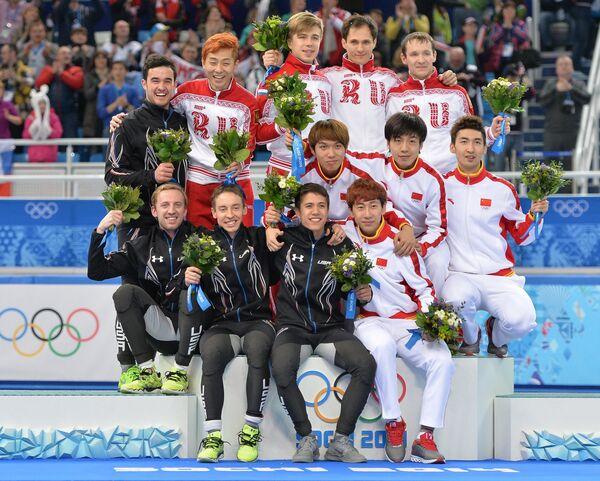 Призеры эстафеты на 5000 метров в соревнованиях по шорт-треку
