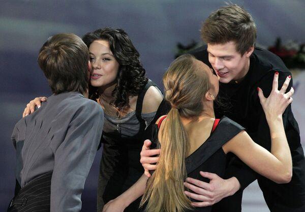 Руслан Жиганшин и Виктория Синицина (на первом плане) и Елена Ильиных и Никита Кацалапов (на втором плане)