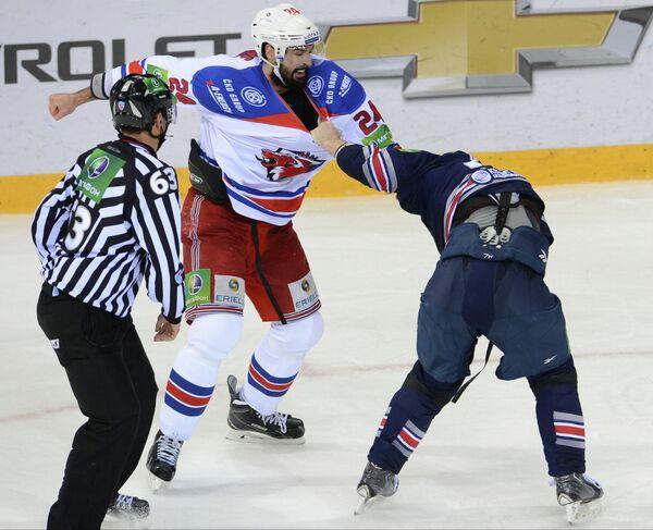 Райан О'Берн (слева) и  Владимир Маленьких