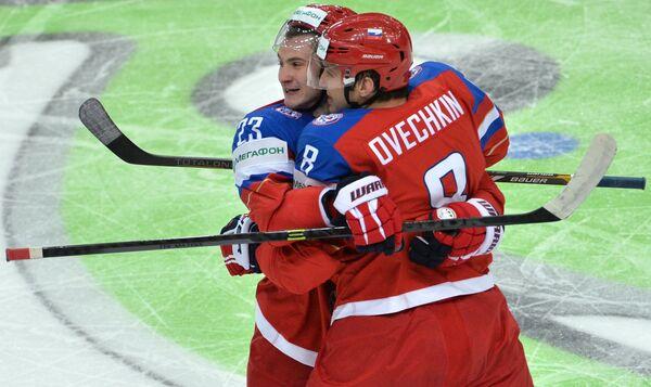 Дмитрий Орлов (слева) и Александр Овечкин
