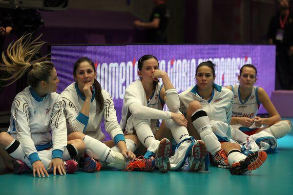 Волейболистки Молико