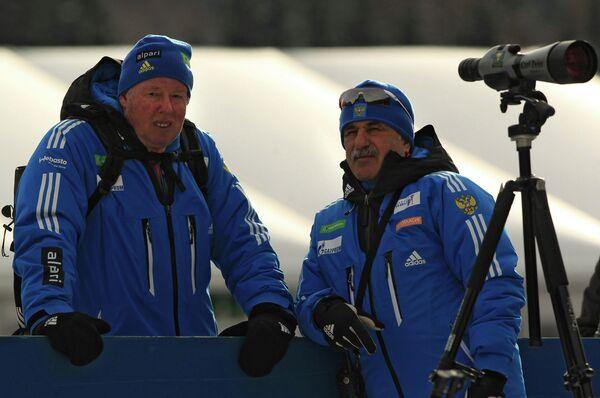 Александр Касперович (справа)