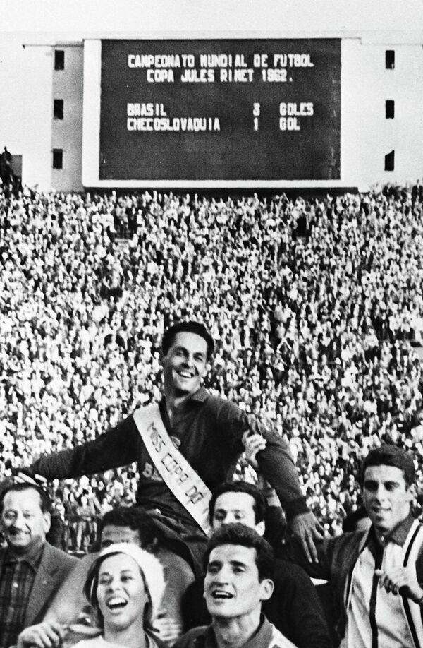 Вратарь сборной Бразилии Гилмар после финала чемпионата мира-1962