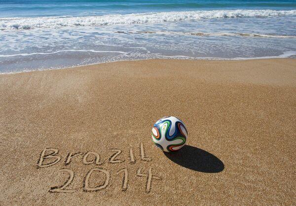 Официальный мяч ЧМ-2014 в Бразилии Brazuca