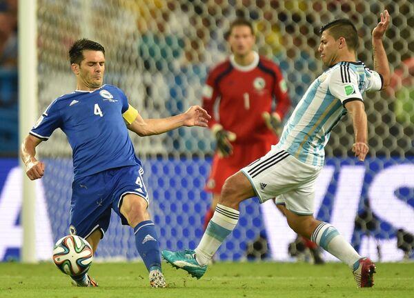 Игровой момент матча Аргентина - Босния и Герцеговина