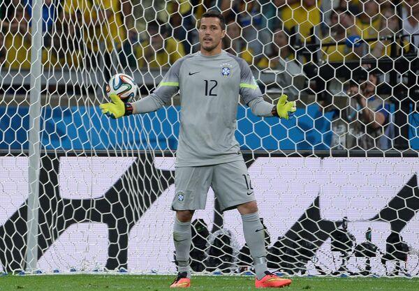 Вратарь сборной Бразилии Жулио Сезар