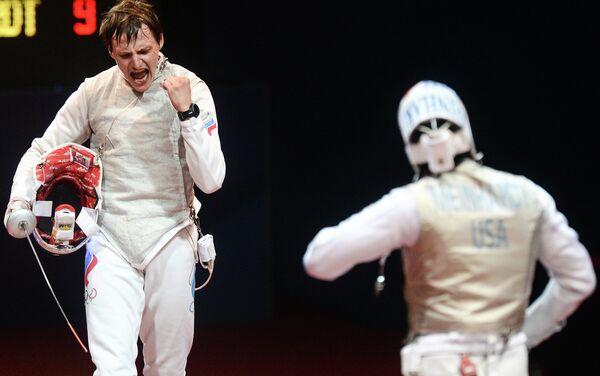 Российский спортсмен Алексей Черемисинов (слева)