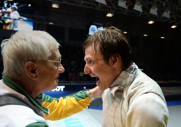 Российский спортсмен Алексей Черемисинов (справа)