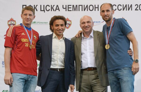 Сергей Чепчугов, Роман Бабаев, Сергей Чебан и Элвер Рахимич (слева направо)