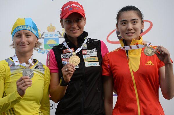 Слева направо: Валентина Семеренко (Украина), Тея Грегорин (Словения) и Тан Цзялинь (Китай)