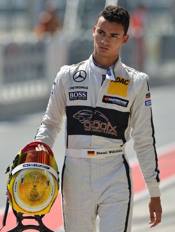 Пилот команды gooix Mercedes AMG Паскаль Верляйн