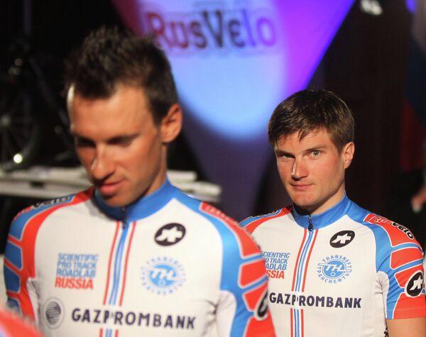 Артем Овечкин (справа)