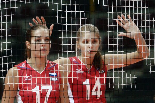 Волейболистки сборной России Наталья Малых и Ирина Фетисова (справа)