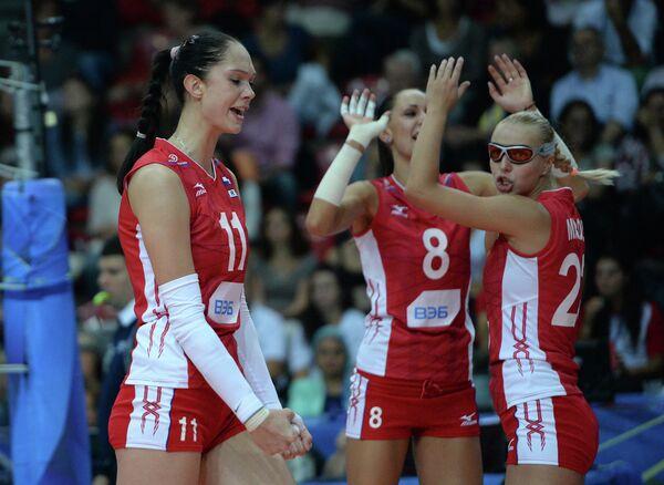 Волейболистки сборной России радуются выигранному очку