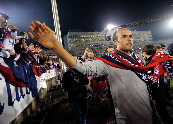 Полузащитник Лэндон Донован в своем прощальном матче за сборную США