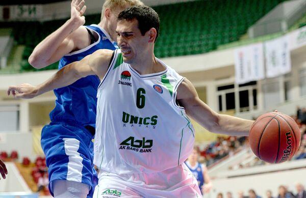 Никос Зисис (на первом плане) и Артем Вихров